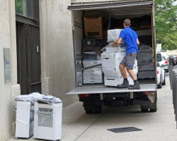 Irish Moving Mover loading a truck on a central Manhattan location